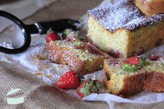 Plumcake limone,semi di papavero e fragole