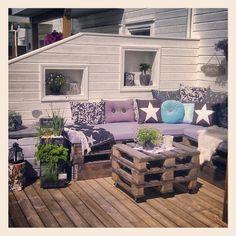 Miss summer :( #summer #uteplass #paller #tønsberg #sommer #pallesofa #terasse - tezzdesign @ Instagram Web Interface - 5th village