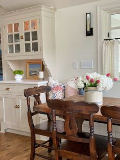 Classic Home Decor, Classic Interior, Classic House, Vintage Home Decor, Traditional Interior, Traditional Bedroom, Traditional House, Beautiful Interior Design, Decor Interior Design
