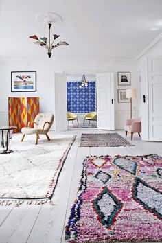 TSG How to Choose the Perfect Rug. But choosing a rug can be difficult…too many choices, a big investment, coordinating with your existing furniture.  It can be overwhelming, but don't worry, we've put together a few guidelines with the help of Rob Leahy from FINE RUGS OF CHARLESTON to make the task a little less daunting.