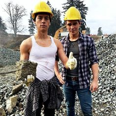 """""""Is this how to construction? Idk, it doesn't involve a typewriter or a guitar"""""""