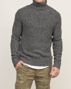 Gorgeous 39 Comfy Turtleneck Shirt Ideas For Men Look More Handsome Mens Turtleneck, Turtleneck Outfit, Men Sweater, Warm Clothes For Men, All American Clothing, Fashion Days, Men's Fashion, High Fashion, Warm Outfits