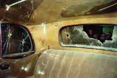 inside view of the Bonnie and Clyde death car Bonnie And Clyde Musical, Bonnie And Clyde Death, Bonnie And Clyde Photos, The Bonnie, Bonnie Clyde, Famous Outlaws, Aesthetic Objects, Bonnie Parker, Natural Born Killers