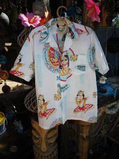 VINTAGE 60s 70s Cool Cerveza Beer Mens Hawaiian by elliemayhems, $69.00 Vintage Hawaiian Shirts, Mens Hawaiian Shirts, Aloha Shirt, T Shirt, Mexican Fashion, Beer Shirts, Bowling Shirts, Tahiti, Cool Stuff