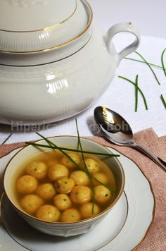 Italian Food - Polpettine di ricotta in brodo di carne (Ricotta Meatballs in broth).