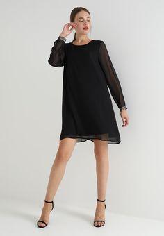 6d22ce8e4424 Les 827 meilleures images du tableau robes noir sur Pinterest en ...