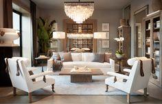 10 Sorprendentes espacios de estilo clásico muy actuales. Sofa / mesa / lámpara / living / classic.