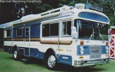 Wanderlodge Bus Camper, Campers, Bluebird Buses, Nice Bus, Cool Rvs, Converted Bus, School Buses, Bus House, Camper Storage