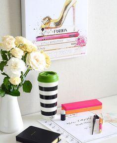 We're halfway through the week! Share with us your #officespace with #olivergal ( by @doubleknot_party)