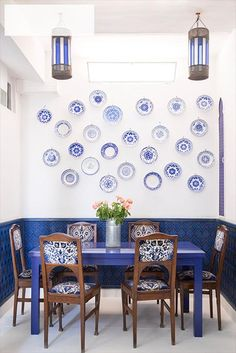 The dining area's cobalt-blue  furnishings are reminiscent of  Matisse's paintings of Tangier | domino.com
