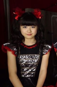 She's the original emoticon. Two Girls, Cute Girls, Baby Metal, Sakura Gakuin, Heavy Metal Music, Yui, Metalhead, Debut Album, Asian Girl