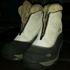 Women's snow boots, size 11 Awesome snow boots in great condition, lined with Thinsulate, front zip closure with weatherproof tongue. The North Face Shoes Winter & Rain Boots