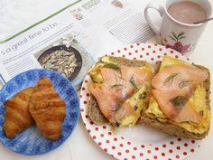 Mic-dejun cu omletǎ şi somon