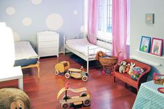 This light and colorful residence is in a popular district of Berlin, has a playroom and sleeps up to 6 + 2.