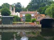 19 best holiday cottages in cotswold water park images cabins rh pinterest com