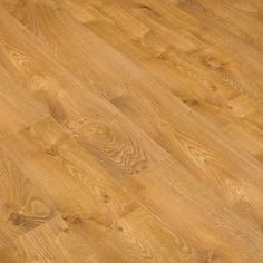 FINFLOOR ORIGINAL 8 mm. 4V SIMPHONY OAK: This #oak #floor is full of character and excitement and will liven up any room. Bevelled on all four sides of each plank and the exquisite graining in warm tones of browns contributes to its overall appeal.