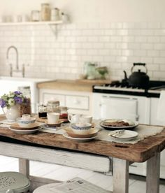 Home of designer Marie Olsson Nylander, Sweden - Photo : Anne-Claire Rohé -
