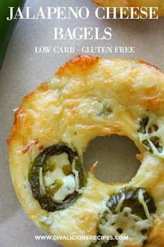 Low Carb Recipes These low carb bagels are flavoured with spicy jalapeno and topped with cheese. Baked with a variation of the Fathead Dough it is a cheesy, low carb delight. - A spicy Fathead dough bagel Keto Bagels, Low Carb Bagels, Low Carb Bread, Low Carb Diet, Keto Bread, Cheese Bagels, Bread Food, Bread Baking, Low Carb Cupcakes