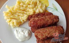 Poprvé jsem zkoušela tradiční oběd, který si ještě pamatuji ze školní jídelny. Čevapčiči se tam podávalo s bramborovou kaší a zeleninovým salátem a k tomu ještě za lžičku hořčice a syrová cibule. Mně velmi k tomu hořčice nejde, ale tak sto lidí, sto chutí. Hořčici jsem zaměnila za tatarskou omáčku a chutnalo mi to moc. Autor: Triniti