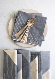 Love these napkins.  Pattern from The Purl Bee.