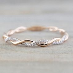 Rose Gold Round Cut Diamond Rope Twined Vine Engagement Pave Stackable Stacking Promise Ring Anniversary 14 k Rose Gold Runde Diamanten Seil gewunden Rebe Verlobung Stacked Wedding Bands, Wedding Rings Simple, Wedding Rings Rose Gold, Wedding Ring Bands, Wedding Jewelry, Trendy Wedding, Unique Rings, Female Wedding Bands, Bridal Rings
