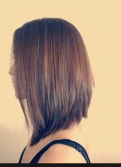 Triangle Haircut, Médium Hairstyle, Hair Styles, Hair Beauty, Hair Cut, Stacked Bob, Long Bob
