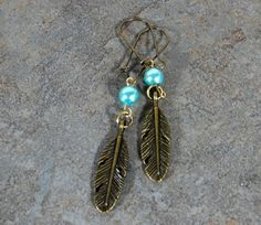 Antique Bronze Feather and Turquoise Blue Swarovski Pearl Earrings w/Antique Gold Kidney Ear Wires, Jewelry Gifts for Her Leather Earrings, Beaded Earrings, Pearl Earrings, Drop Earrings, Jewelry Gifts, Jewelry Ideas, Diy Jewelry, Jewellery, Handmade Jewelry Tutorials