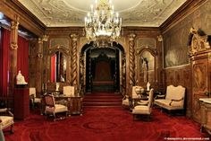 Castlevania irl - peles castle