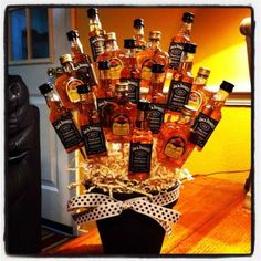 Man bouquet for the bachelor party Diy Valentines Day Gifts For Him, My Funny Valentine, Valentines Diy, Valentine Bouquet, Booze Bouquet, Man Bouquet, Alcohol Bouquet, Beer Boquet, Bouquet For Men