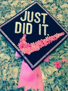 Cute graduation cap idea.