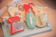 """Biscoitos decorados para festa com tema """"Cozinha da valentina"""" Fotos: Erica Vighi"""