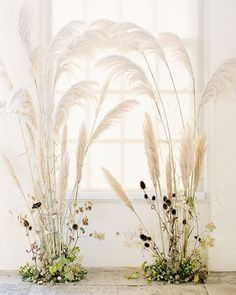 East Meets West - A Fusion of Old World and Eastern Influences Dreamy wedding ceremony backdrop design with trendy pampas grass by Floribunda Rose, styled by Kate Cullen and captures . Decor Photobooth, Wedding Ceremony Decorations, Decor Wedding, Wedding Ideas, Wedding Ceremony Flowers, Ceremony Arch, Wedding Dried Flowers, Wedding Trends, Wedding Backdrop Design