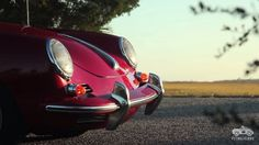 The other day Petrolicious presented us some European Classics: Mercedes-Benz 220SE, Lancia, Alfa Romeo Giulietta SZ, Triumph TR3A. This time Frazer Spowart (Cars I See) teamed up with the brilliant Petrolicious crew and shows some Porsche 356 Cabriolet love. Darn – Frazer, �