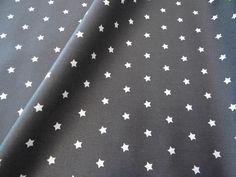 Stoff Sterne - Baumwolle beschichtet 6 mm Sterne dunkelgrau-weiß - ein Designerstück von Zeitlos-Conni-Unsinn bei DaWanda