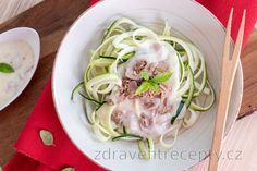 Low carb cuketové rezance so syrovou omáčkou a tuniakom Detox, Spaghetti, Food And Drink, Low Carb, Meat, Chicken, Ethnic Recipes, Cooking Recipes, Noodle