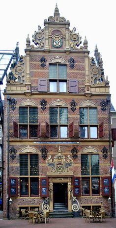 Goudkantoor, Café Restaurant - Groningen-Holland- - The Netherlands. Beautiful Architecture, Beautiful Buildings, Chinese Architecture, Architecture Office, Futuristic Architecture, Beautiful World, Beautiful Places, Beautiful Boys, The Places Youll Go