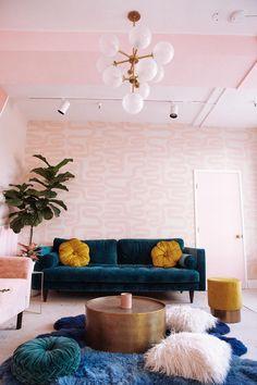 WALLPAPER : AZTECA© // PETAL - drop it MODERN - Modern and contemporary interior designed wallpaper for the studio and home. | #wallpaper #InteriorDesign #HomeDecor #bedroom #bathroom #kitchen #LivingRoom #designer #luxury #traditional #FarmHouse #MidCenturyModern