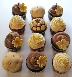 Mismatched Wedding Cupcakes: Delicious and Beautiful #timelesstreasure