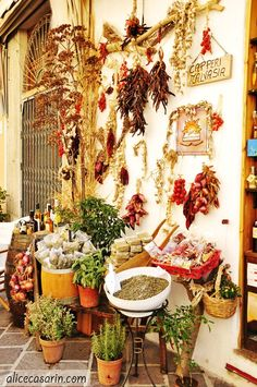 in Sicily, ITALY / charming shops / store fronts Places In Italy, Places To See, Wonderful Places, Beautiful Places, Green Design, Foto Poster, Sicily Italy, Visit Italy, Italy Travel