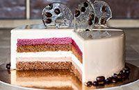 Муссовый десерт - кофейный торт Мокка с вишней. Насыщенный кофейно-шоколадный вкус и вишневая кислинка дают изумительное сочетание.