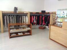 Progettazione di interni per il negozio di abbigliamento