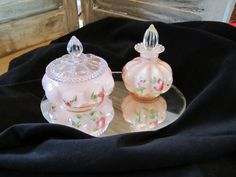 Vintage pink glass perfume and powder set by casellascreations