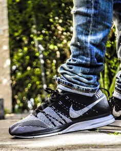 Nike womens running shoes are designed with innovative features and technologies to help you run your best, whatever your goals and skill level. Nike Free Shoes, Nike Shoes Outlet, Discount Mens Shoes, Nike Flyknit Trainer, Nike Free Runners, Sports Shoes, Shoes Sneakers, Men's Shoes, Running Shoes