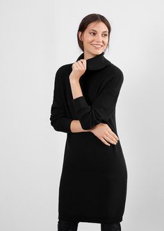 Strickkleid mit großem Rollkragen von s.Oliver. Entdecken Sie jetzt topaktuelle Mode für Damen, Herren und Kinder und bestellen Sie online.