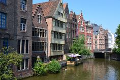 Historical Mansions in Ghent, Belguim puzzle in Bridges jigsaw puzzles on TheJigsawPuzzles.com. Play full screen, enjoy Puzzle of the Day and thousands more.