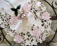 """Fancy Pink Rose White Lace 70"""" Table Runner 