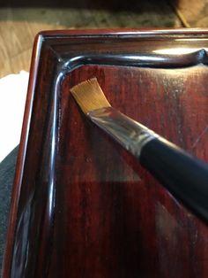 17-03-03 古い硯箱 ( 9 ) (坂根龍我 作品 紹介№326)   あちゃー・・物が写り込むくらい予想以上にピカピカのツッヤ艶になっちまった・・・(-。-;やっぱな・・。
