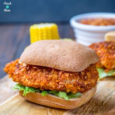 Slimming world KFC Zinger burger 4 Chicken Breasts 1 Egg 1 tsp Cornflour for Syns 30 grams Chilli Doritos for Syns 1 tsp Chilli… Kfc Chicken Slimming World, Slimming World Recipes Syn Free, Kfc Chicken Recipe, Chicken Recipes, Ww Recipes, Healthy Recipes, Healthy Food, Recipies, Recipes