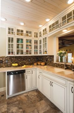 Etonnant ... Resulted In A Space That Gets Second Looks And Third Looks. Designer  Alesha Hansen Specified StarMark Cabinetryu0027s San Dimas Door Style In Maple  Finished ...