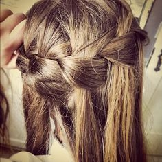 Soo pretty, I wish I could do stuff like this to my hair.